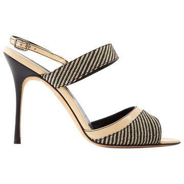 Manolo Blahnik Ecru Leather Heels