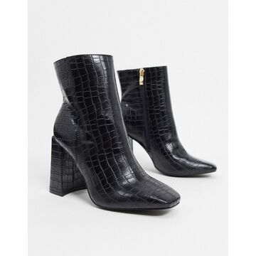 Glamorous clean boot with square toe in black croc