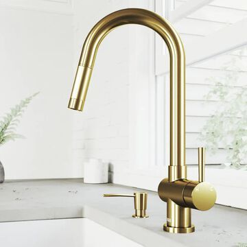 VIGO Gramercy Matte Gold 1-Handle Deck-Mount Pull-Down Handle Kitchen Faucet | VG02008MGK2