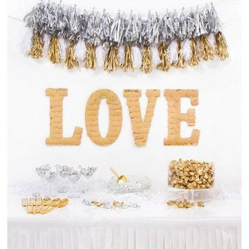 Darice LOVE Party Decoration Kit, Gold, 10.75in
