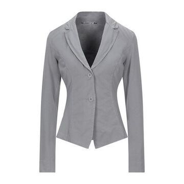EUROPEAN CULTURE Suit jacket