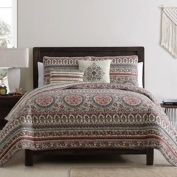 VCNY Menkis Quilt Set