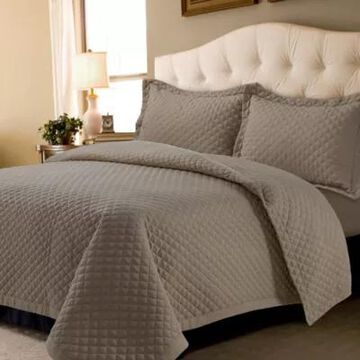 Tribeca Living Oversized Brisbane Solid 3-Piece Queen Quilt Set in Taupe