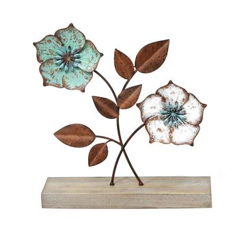 Stratton Home Decor Metal Flower Table Decor