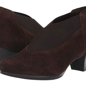 Munro Francee (Brown Suede) Women's Shoes