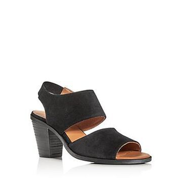 Andre Assous Women's Pipa Strappy Slingback Sandals