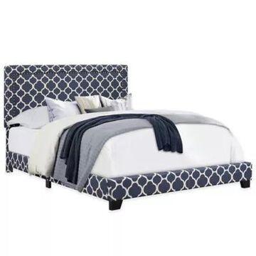 Pulaski Quatrefoil Queen Upholstered Bed Blue
