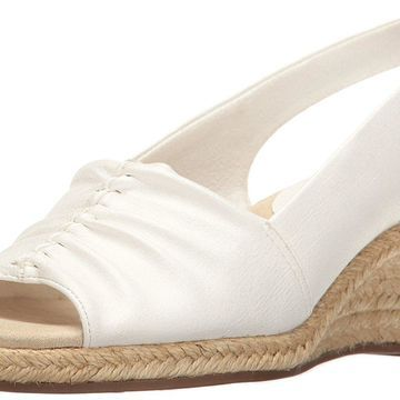 Easy Street Womens Kindly Peep Toe Special Occasion