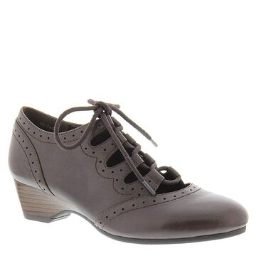 Bella Vita Womens Posie Leather Closed Toe Classic Pumps