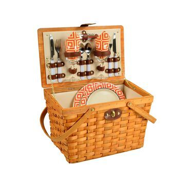 Frisco Traditional American Style Picnic Basket - Service for 2
