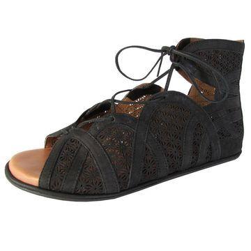 Gentle Souls Womens 'Becka' Nubuck Cutout Gladiator Sandals