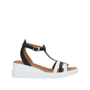 UNLACE Sandals