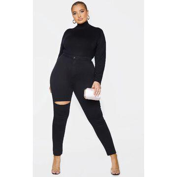 PrettyLittleThingPlus Black Raw Hem Knee Rip Skinny Jeans