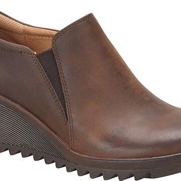 Comfortiva Womens Aniston Leather Closed Toe Clogs