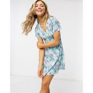 QED London tea dress in mint floral print-Multi