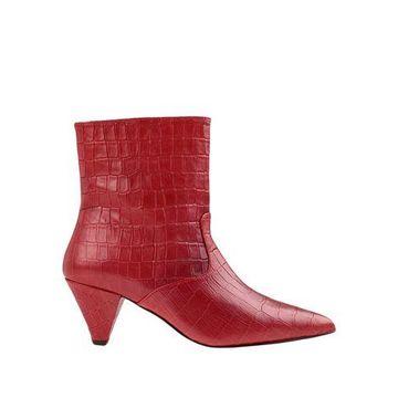 ESSENTIEL ANTWERP Ankle boots