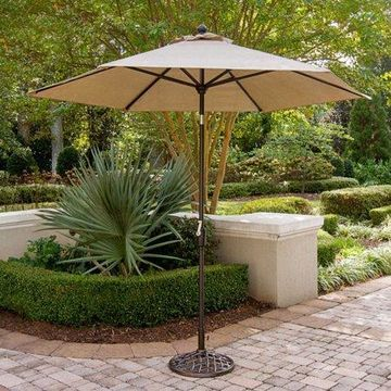 Hanover Traditions 9' Tiltable Umbrella