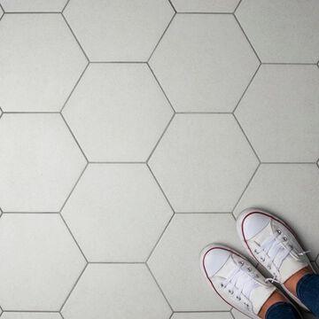 SomerTile 8.625x9.875-inch Vendimia Blanco Hex Porcelain Floor and Wall Tile (25 tiles/11.56 sqft.)