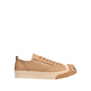 UNDERCOVER Low-tops & sneakers