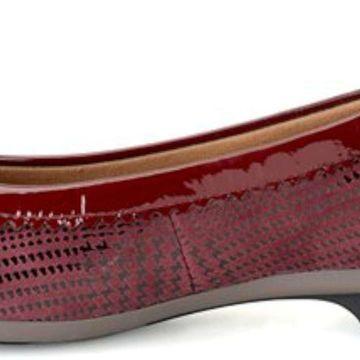 Comfortiva Womens madeira Leather Almond Toe