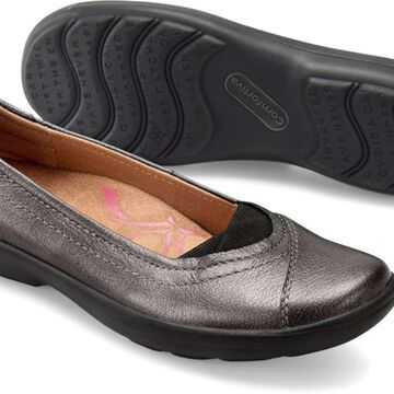 Comfortiva Womens Renee Leather Closed Toe Loafers