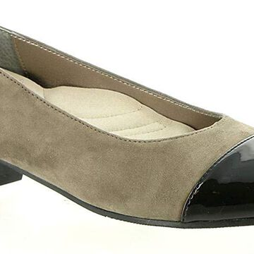 Auditions Womens Ella Leather Round Toe Classic Pumps