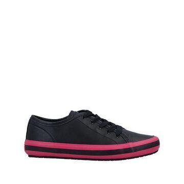 CAMPER Low-tops & sneakers