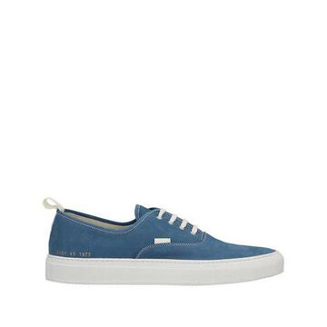 COMMON PROJECTS Low-tops & sneakers