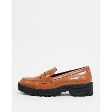 London Rebel chunky loafers in tan