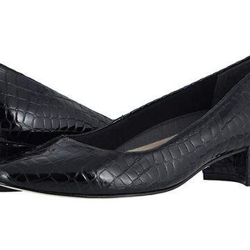 Walking Cradles Heidi (Black Small Patent Gator) Women's 1-2 inch heel Shoes
