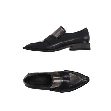 VIC MATIE Loafers