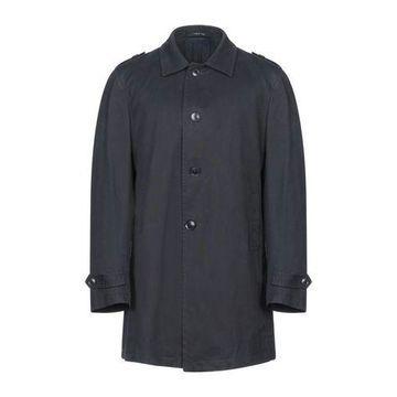 TAGLIATORE Overcoat