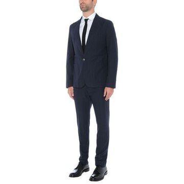 AGLINI Suit