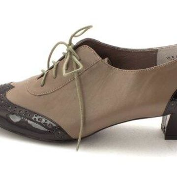 Auditions Womens First Class Leather Square Toe Classic