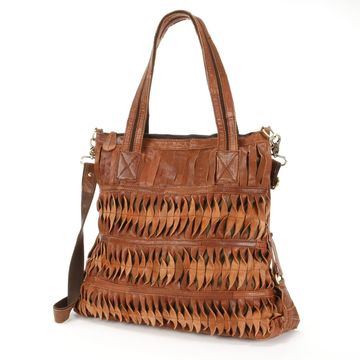AmeriLeather Oida Twist Leather Convertible Shoulder Bag