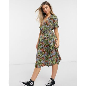 New Look ruffle sleeve midi wrap dress in patchwork floral print-Black