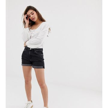 Weekday shorts with organic cotton and rolled hem detail in black