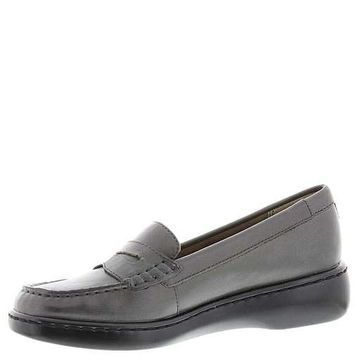 ARRAY Womens Tracy Leather Closed Toe Loafers