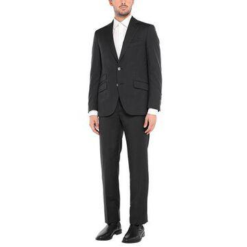 BILLIONAIRE Suit