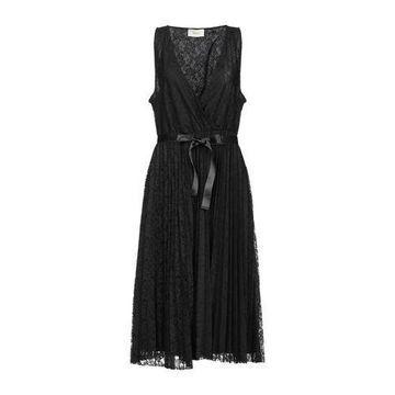 VICOLO Knee-length dress