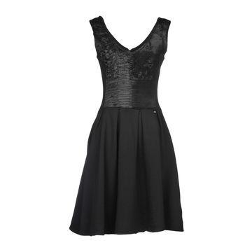 MET & FRIENDS Short dresses