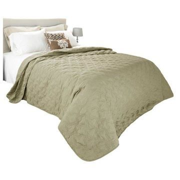 Solid Color Quilt by Lavish Home King, Green
