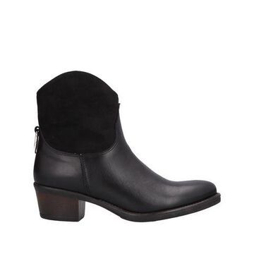 8PM Ankle boots