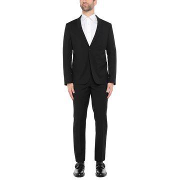 FUTURO Suits