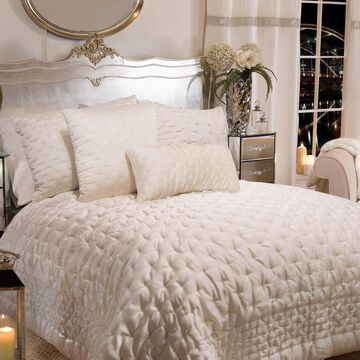 Donna Sharp Almond Blossom Comforter