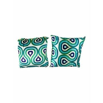 Pair of Milano Concentric Loops Throw Pillows white