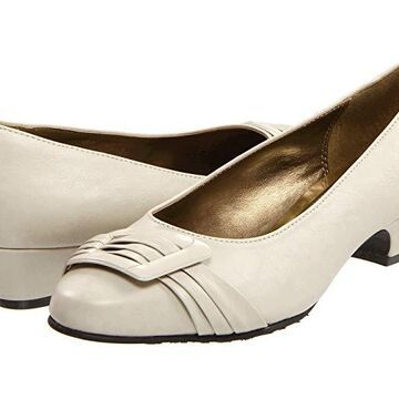 Soft Style Pleats Be With You (Bone Vitello) Women's 1-2 inch heel Shoes
