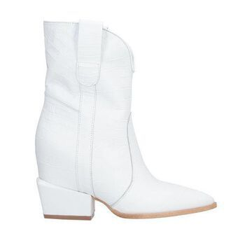 RELISH Ankle boots