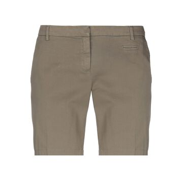 TRUE ROYAL Bermudas