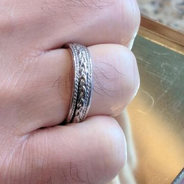 TwoBirch Embellised Celtic Infinity Braided Wedding Band in Solid Platinum